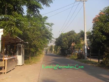 Jalan umum di tengah GPSI