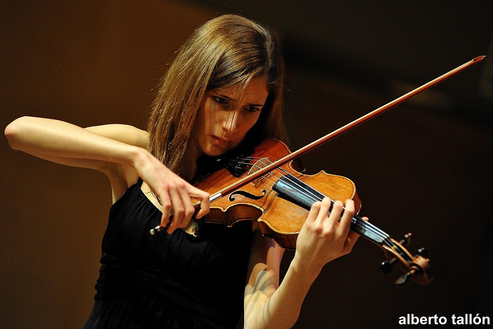Por la lupa lo importante de una orquesta sinfonica for Casa piscitelli musica clasica