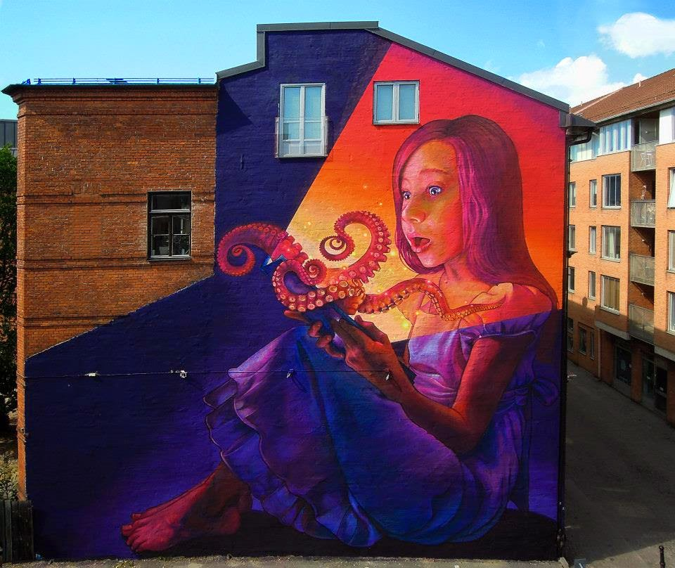 Natalia Rak was invited in Sweden to paint on the sunny streets of Malmö for the excellent ArtScape Streeet Art Festival.