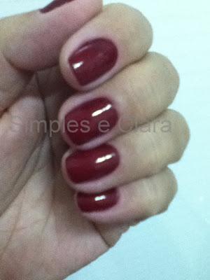 Esmalte vermelho exclusivo do blog Simples e Clara
