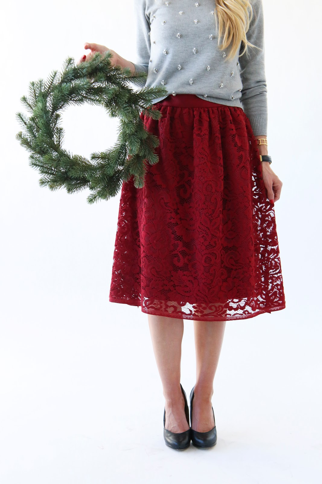 MODERN GIRL'S CHRISTMAS: RED LACE HOLIDAY SKIRT - Elle Apparel by ...