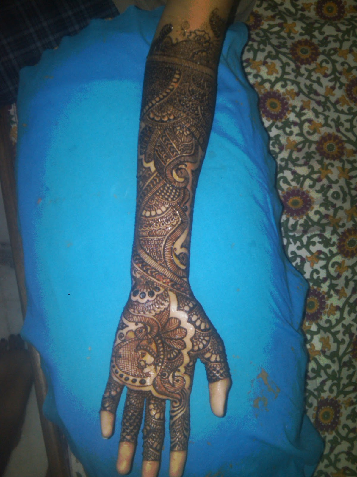 Mehndi Diya Photo : Mehndi designs dulhan
