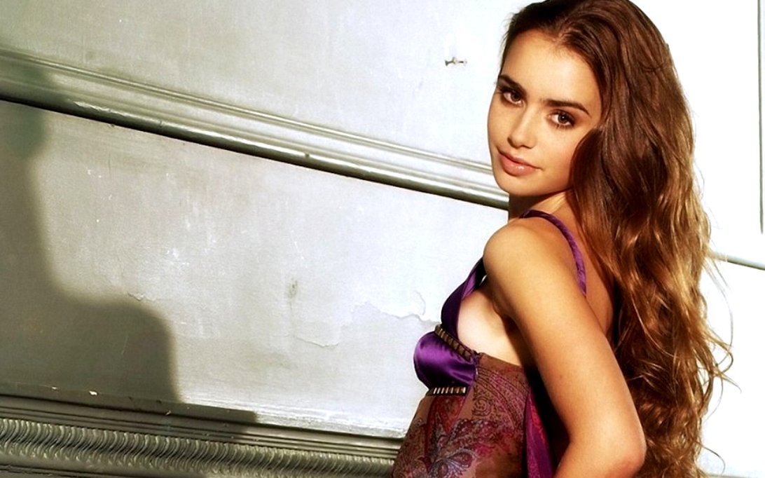 Lily Collins, Wallpaper Foto Artis Cantik 3