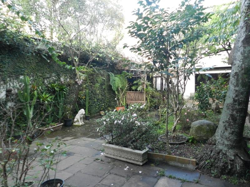jardim quintal fundos:Paula Canto – creci 88.500: Jardim América – Lindo sobrado com 630