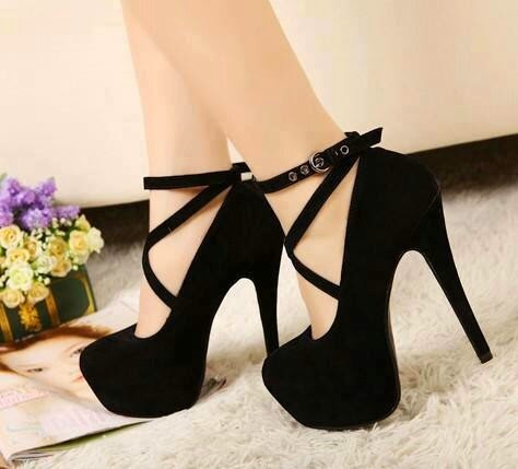 Go girl wit ur sharp shoes See more http://worldcutefashion.blogspot.com/