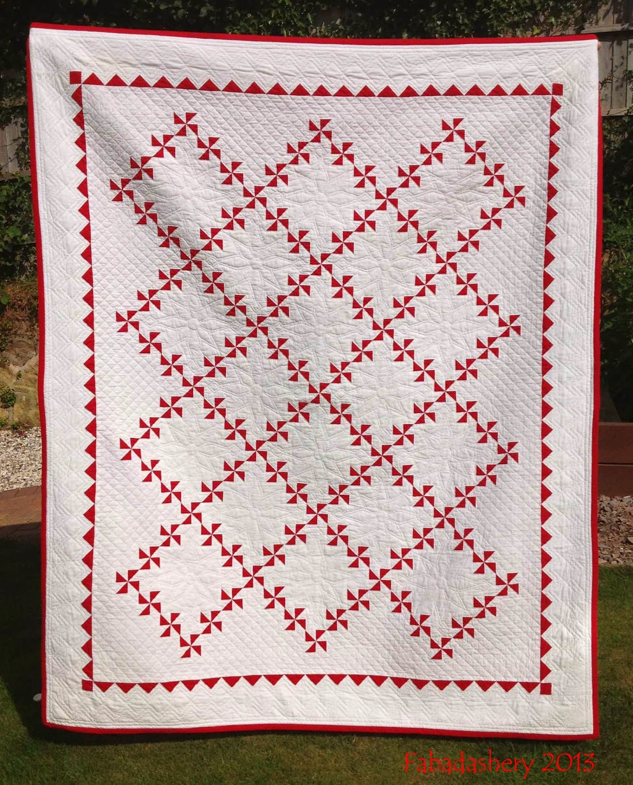 Fabadashery: Red and White Pinwheel Quilt : red and white quilt - Adamdwight.com