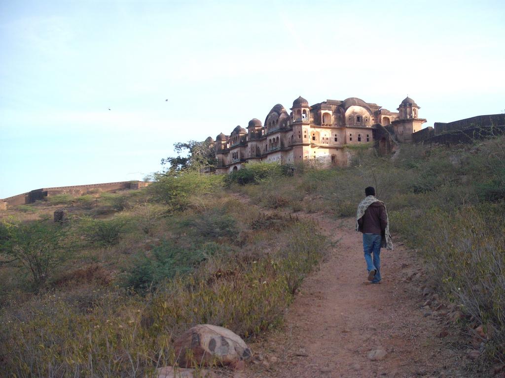 Jhunjhunu India  city pictures gallery : Khetri Fort, Jhunjhunu, Rajasthan ~ Popular Temples of India