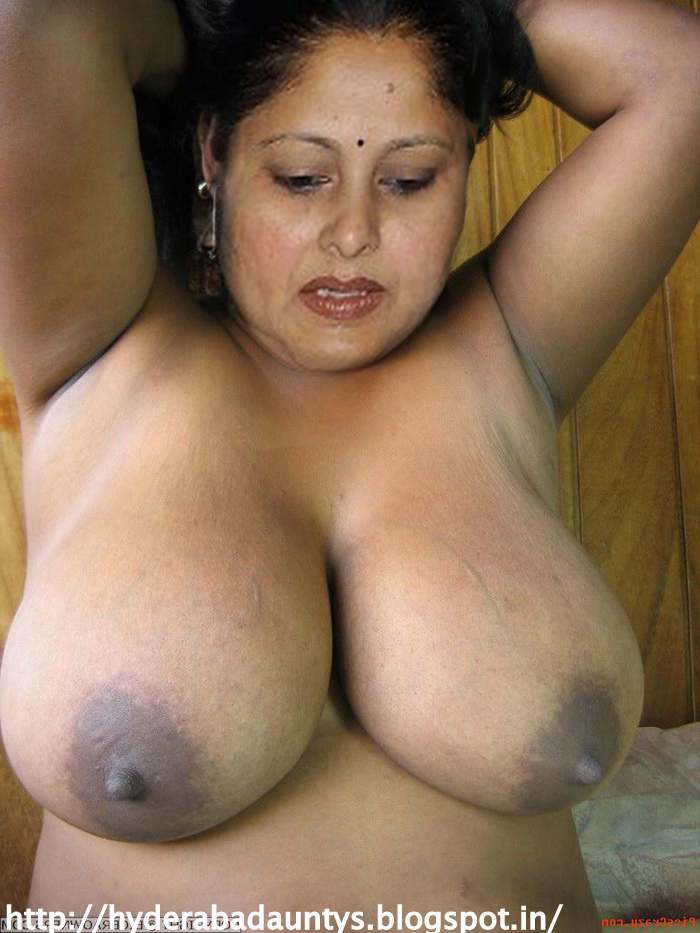Desi aunty big boobs