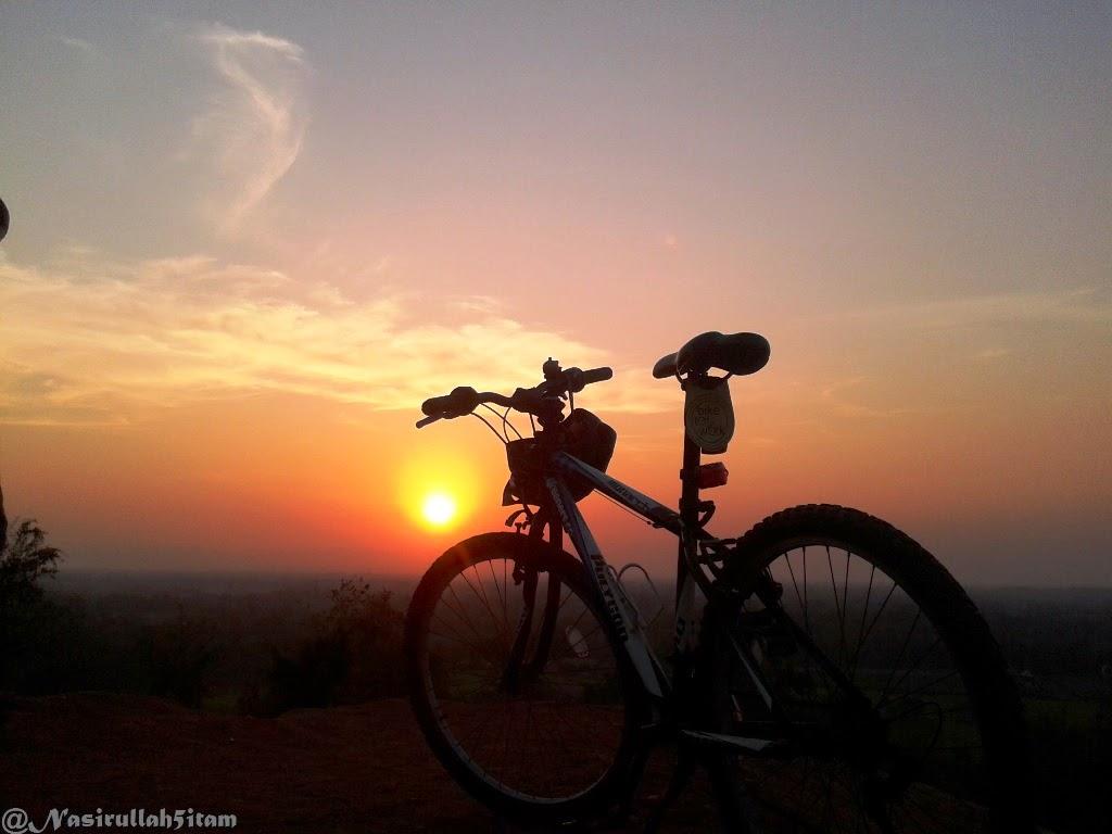 Sunset di Candi Abang Berbah mulai terlihat