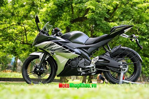 Cận cảnh Yamaha R15 2014 màu đen