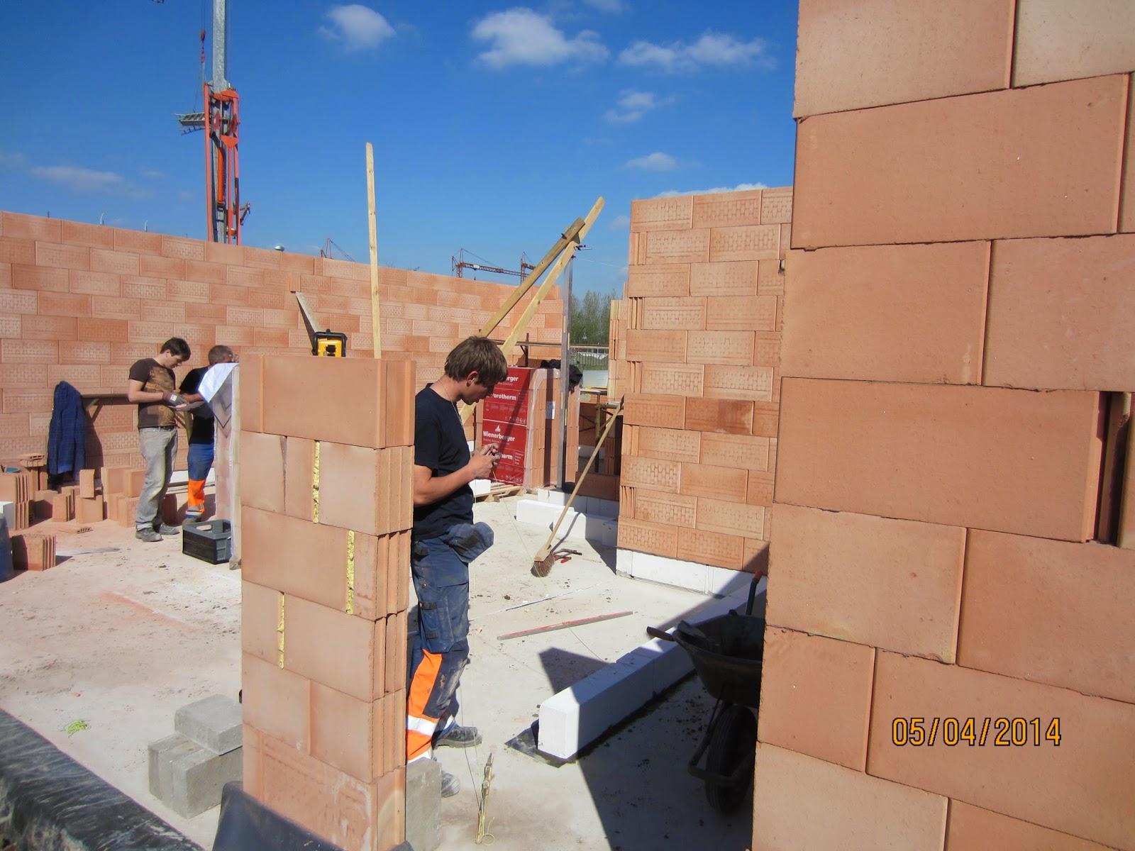 Bram jolina gaan bouwen lijmen gelijkvloers vervolg for Vijverfolie lijmen op beton