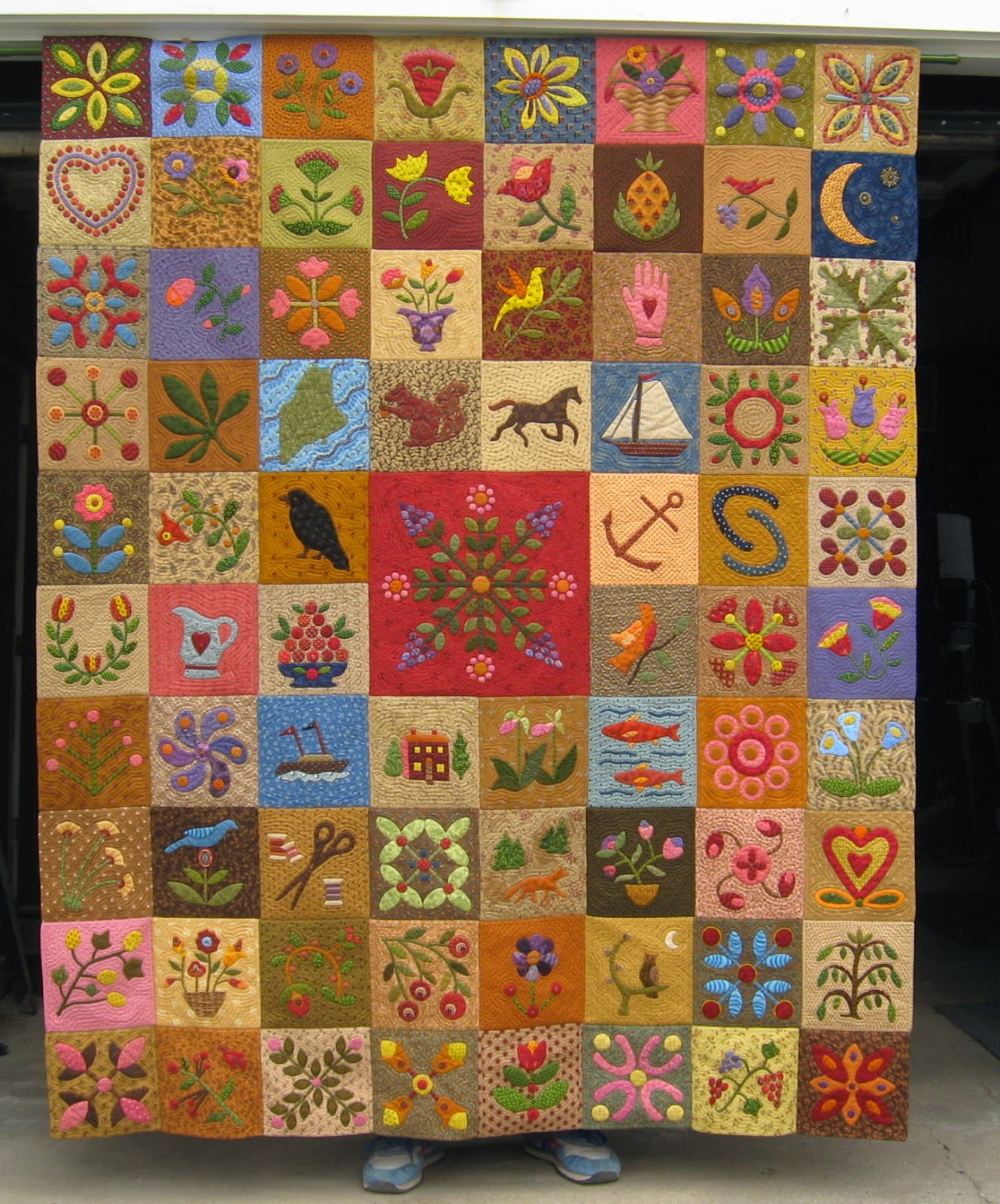 Judge Pot Holders: The Constant Quilter: Happy Dance