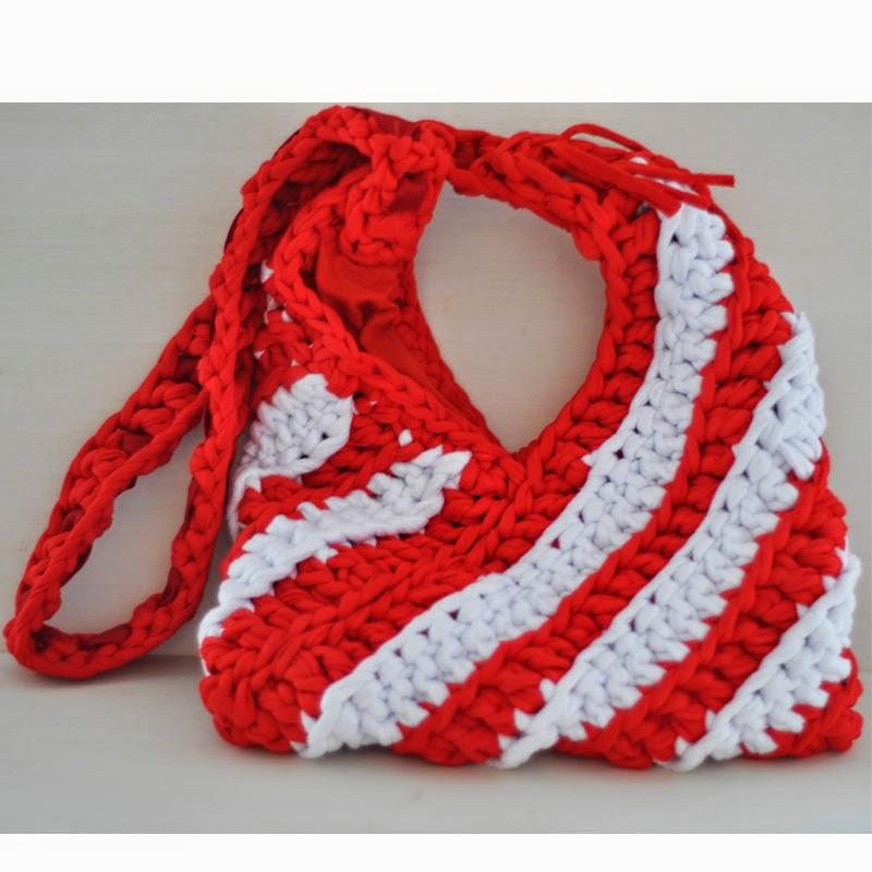 Bolso trapillo rojo y blanco