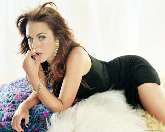 Lindsay Lohan Hollywood Actress Wallpaper-1600x1200