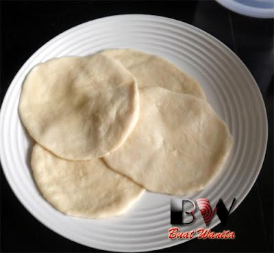 Puri Bread Recipe. How To Make Indian Poori Bread. Simple Easy & Fluffy Indian Poori Bread.