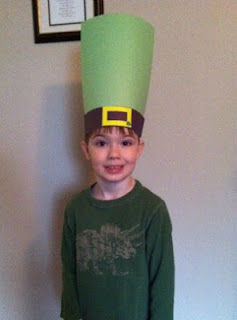 St. Patrick day crafts, St. Patricks day activities, book activities, image, leprechaun hat