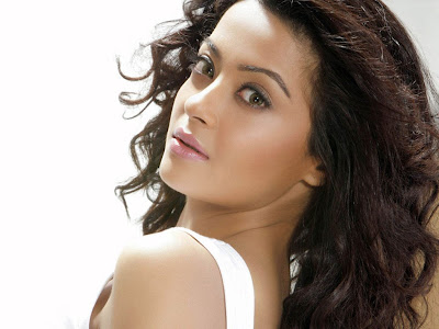 Surveen Chawla Beautiful Wallpapers Seen On www.coolpicturegallery.us