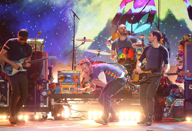 "Coldplay canta ""Adventure of a Lifetime"" en BBC Radio 1 Live Lounge"