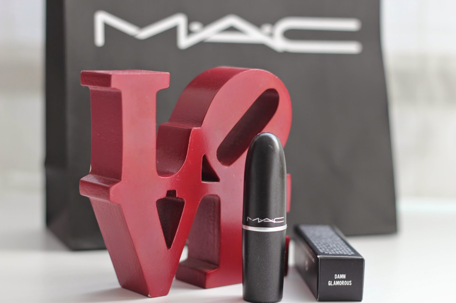 photo-mac-the_matte_lips-red_lipstick-Damn_glamorous