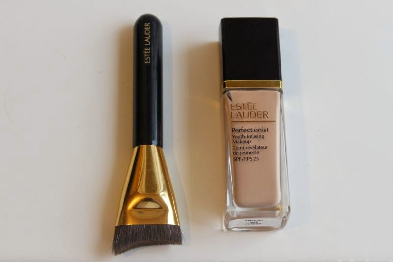 Estee Lauder Perfectionist Youth-Infusing Foundation Review