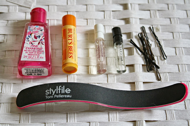 beauty-blog-blogger-handbag-essentials