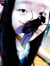 There's a FLY on my face !! XD