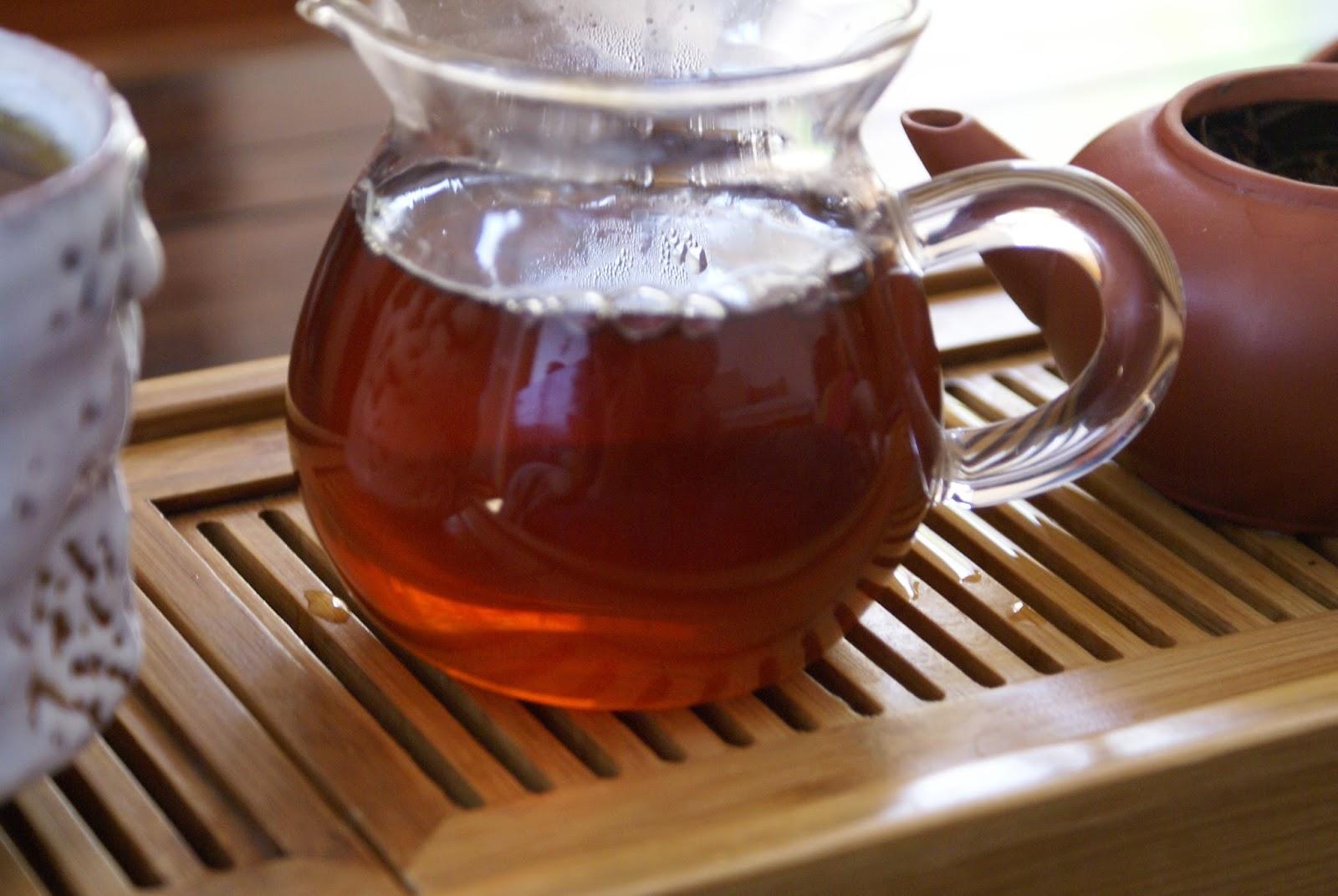 pichet en verre pour le thé