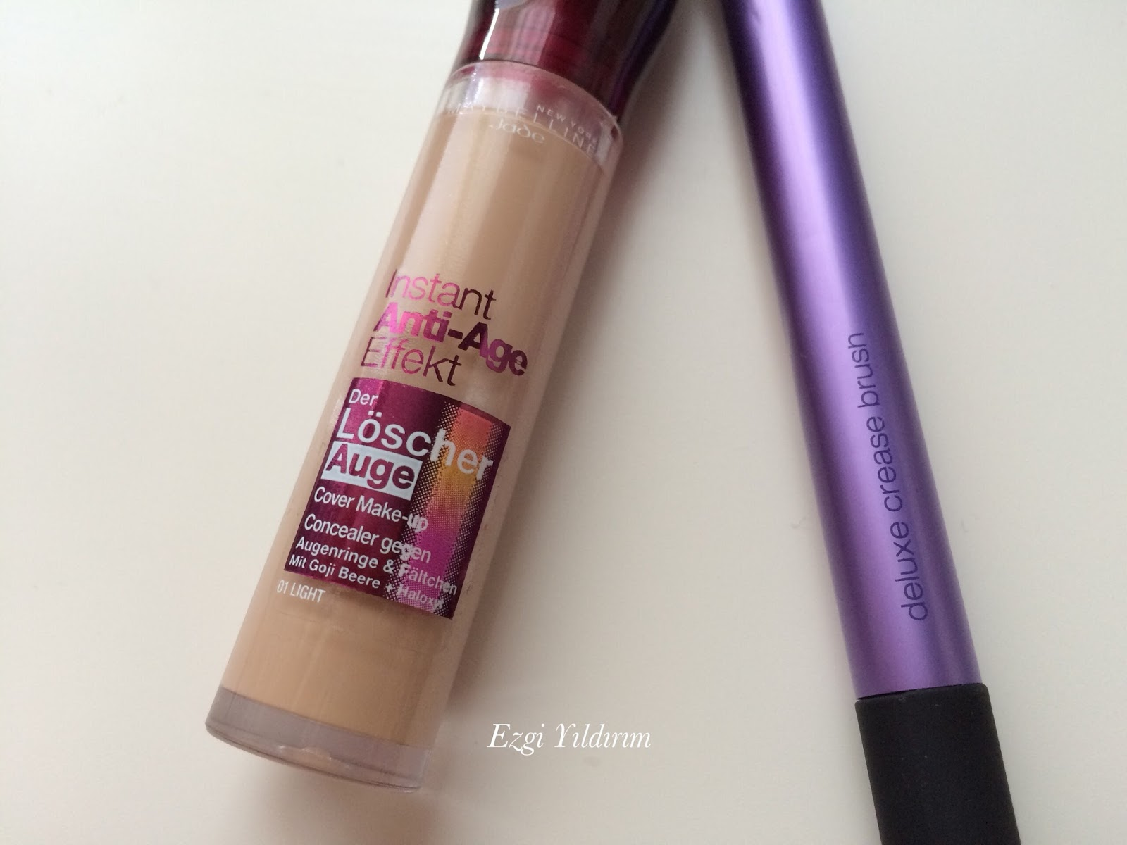 how to use age rewind concealer