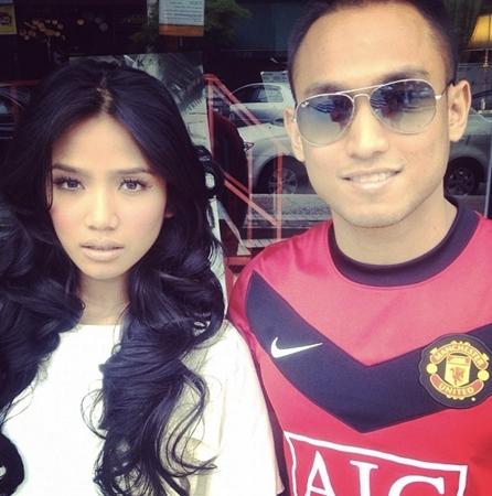 Gambar kekasih baru Ummi Nazeera yang terkini bernama Aizat. Sebelum ...