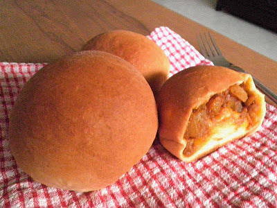 Stuffed Buns Recipe @ http://treatntrick.blogspot.com