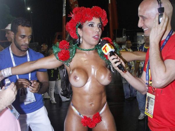 mulheres nua no carnaval