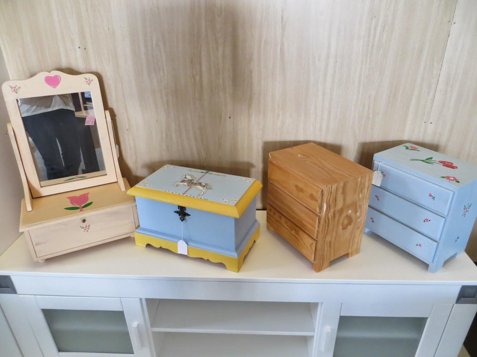 Muebles y art culos de decoraci n a precios chollo for Muebles artesania