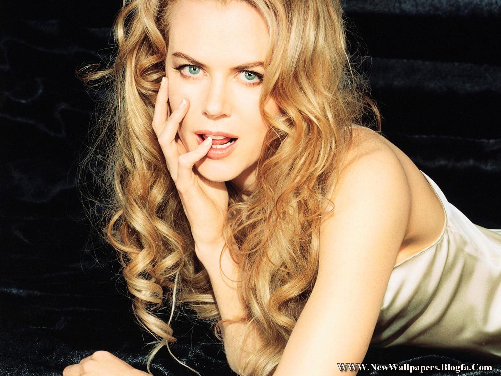 http://4.bp.blogspot.com/-w9irYDj9FAc/Tb71ivAGgKI/AAAAAAAAAdM/nPk5kb0MHoI/s1600/Nicole-Kidman-Pic.jpg