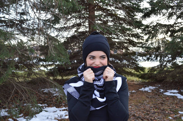 lululemon-amazing-neck-warmer