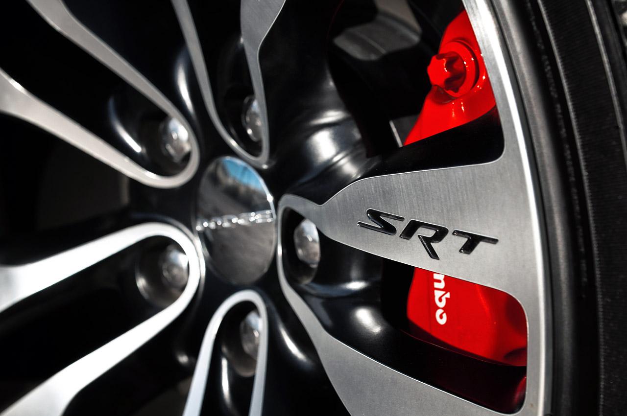 http://4.bp.blogspot.com/-w9qMFJNFVEQ/TlVF4AMMb7I/AAAAAAAAIaQ/Bn6EmXeVXm4/s1600/2012-Dodge-Charger-SRT8-9.jpg
