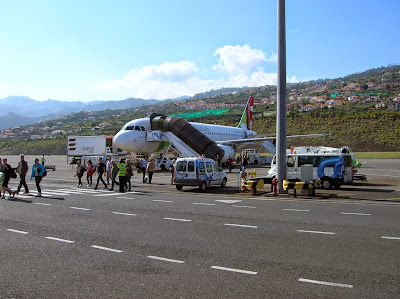 Aeropuerto de Madeira, Portugal, La vuelta al mundo de Asun y Ricardo, round the world, mundoporlibre.com