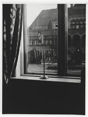 Amazing Hanukkah photo from Berlin 1932