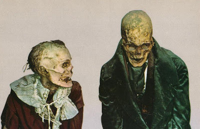 http://www.fenomania.com/2012/05/foto-mayat-di-kuburan-bawah-tanah.html