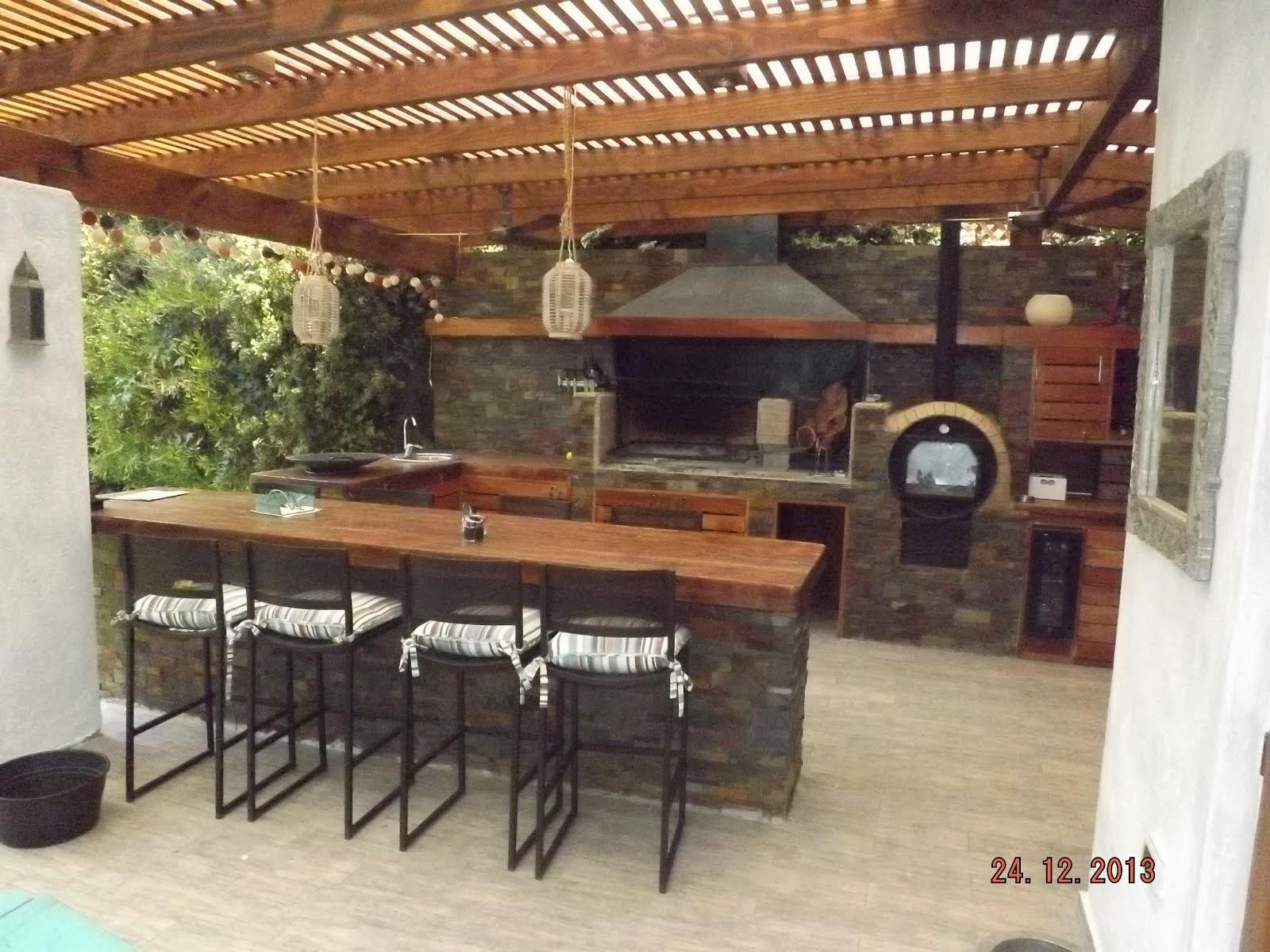Pergolas y quinchos for Ideas para hacer un techo en el patio