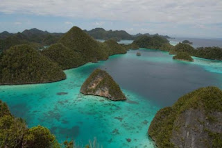 Descriptive Text: Raja Ampat+Jawaban