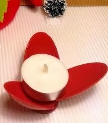 http://clarabelen.com/inspiraciones/4647/portavelas-con-cucharas-de-plastico/