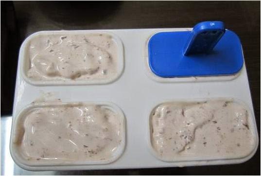Học cách làm kem que đậu đỏ ngọt mát tại nhà nào 4
