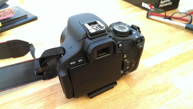 The back of the Canon EOS 600d with the 50mm lens