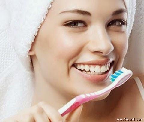 Những thói quen gây hại cho răng miệng mà bạn nên tránh 1