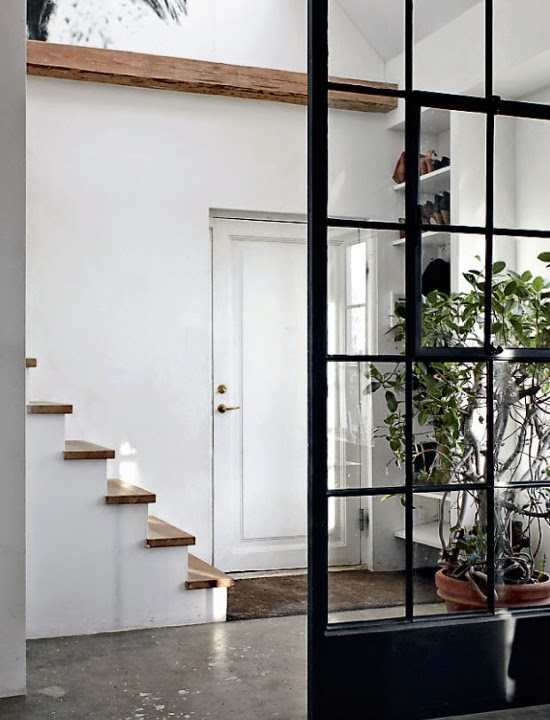 Un due tre ilaria house tour nordic minimalism for a for Minimalist home tour