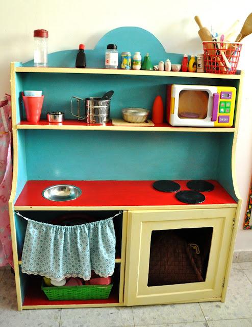 שיפוץ מזנון ישן למטבח משחק לילדים