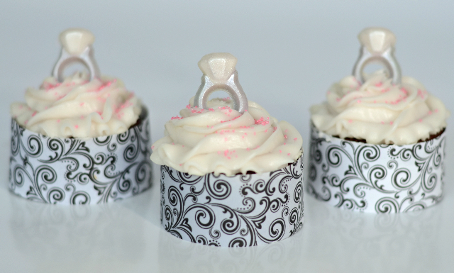 Frost Me Up Tutorial Tuesday Engagement Ring Cupcakes