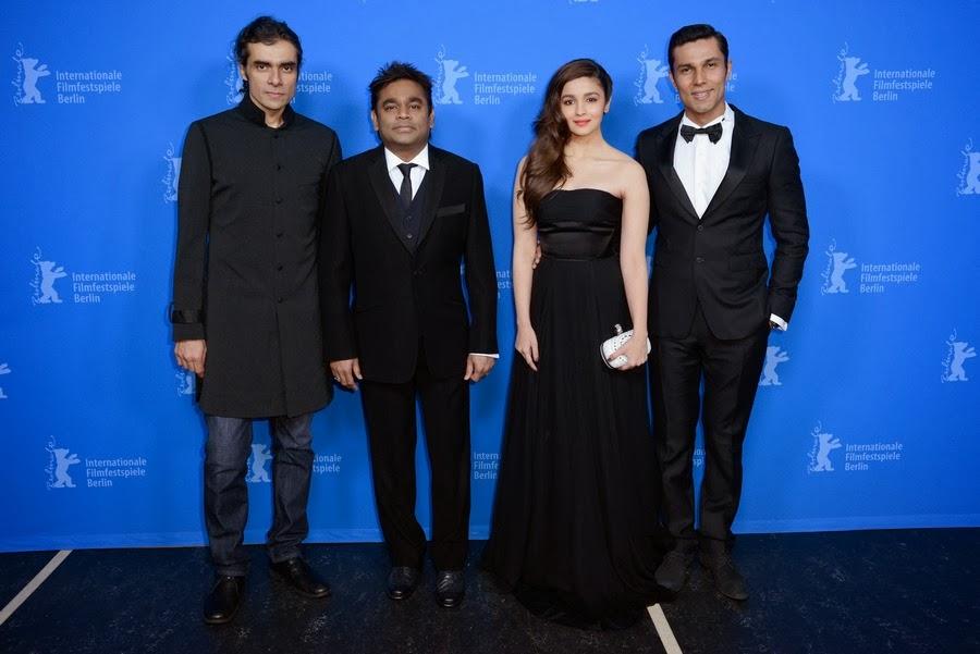 http://4.bp.blogspot.com/-wBQ2Pb4h5RA/Uv26a_IV0bI/AAAAAAAAklc/CFMKRmICTDs/s1600/Alia,+Randeep,+AR+Rahman,+Imtiaz+At+Highway+Premiere+Berlinale+2014+(3).jpg