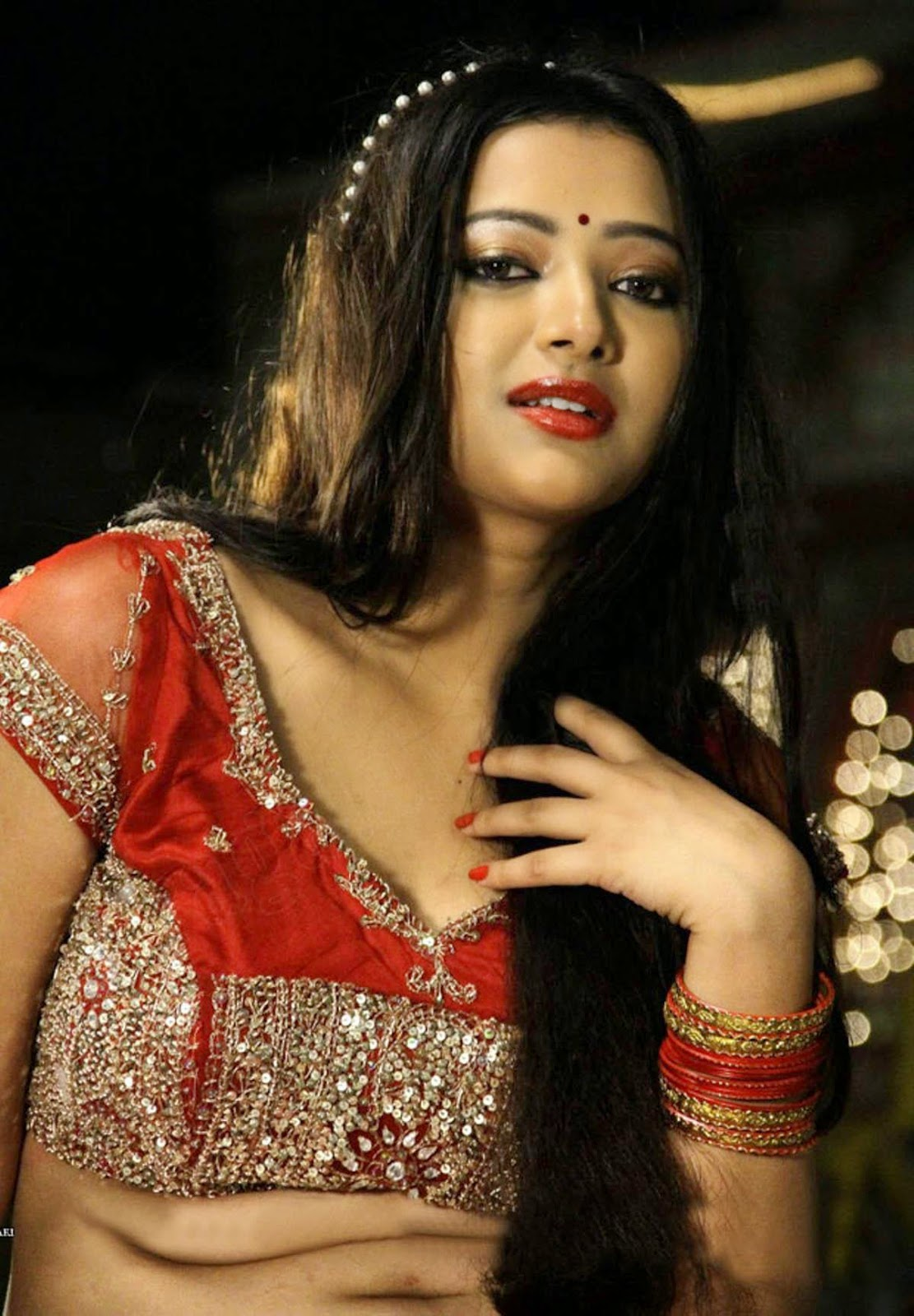 Makdee Actress Shweta Basu Turned to Prostitution