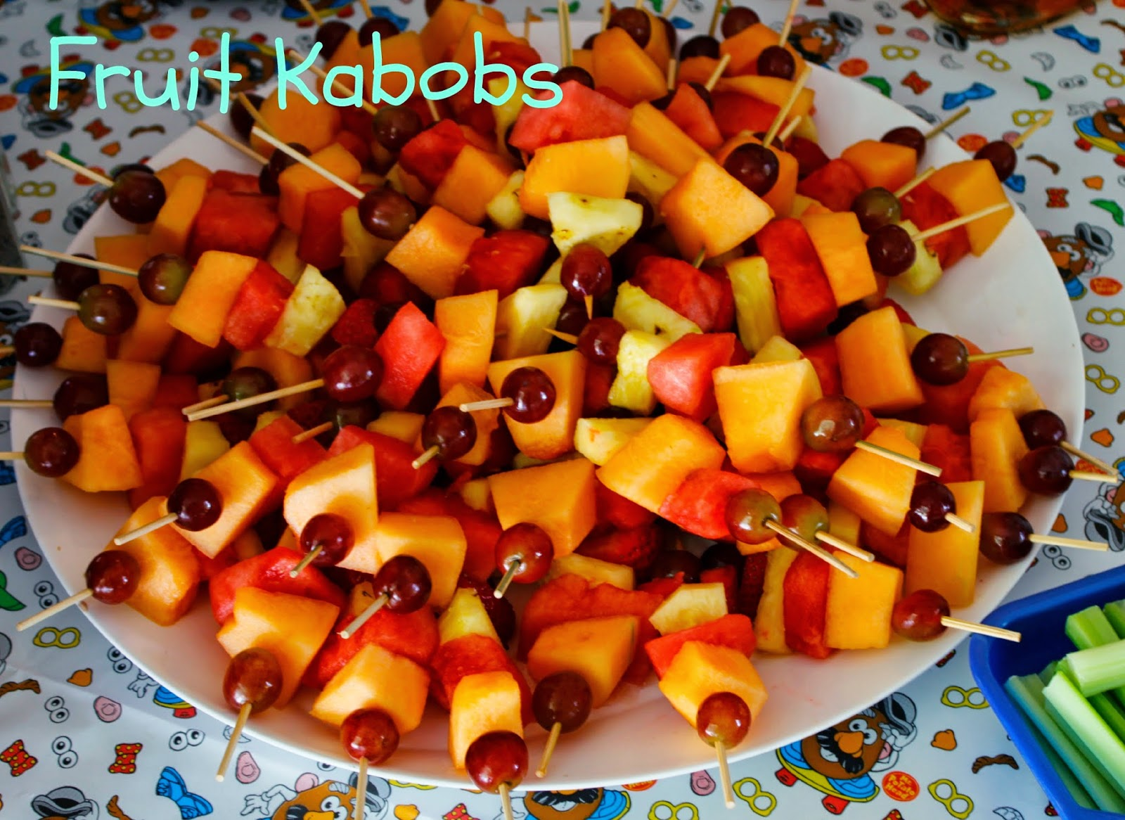 Potpourri Mommy: Colorful Fruit Kabobs